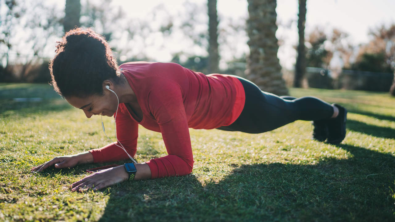 This 30-Day Plank Challenge Will Transform Your Core in 4 Weeks