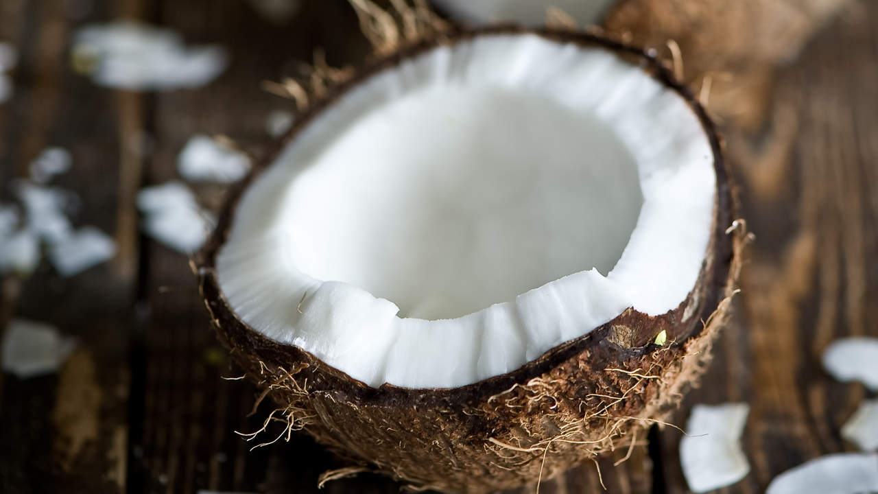 10 Surprising Beauty Benefits of Coconut Oil