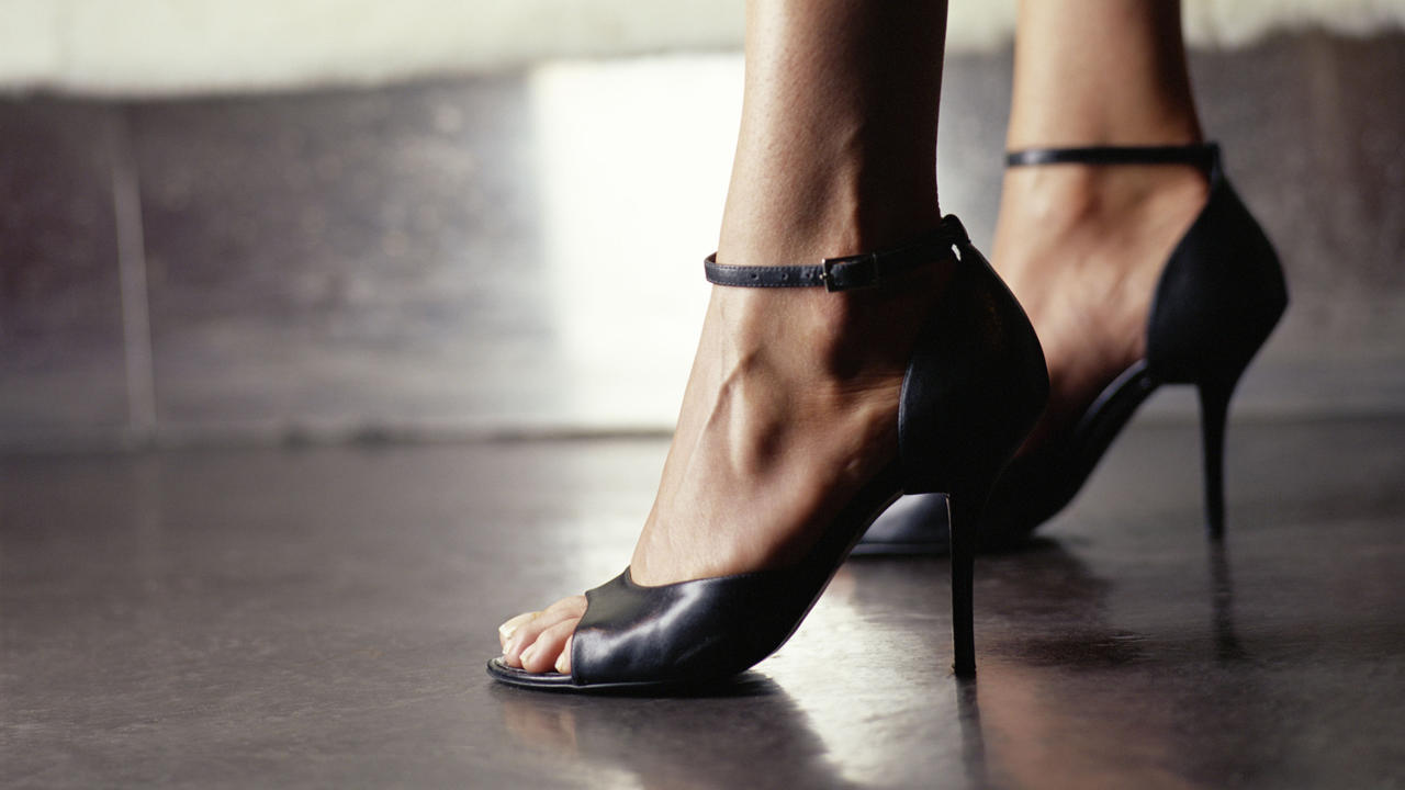 3 Exercises High Heel Lovers Should Do to Avoid Foot Pain