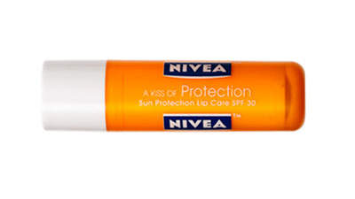 lip-nivea-kiss