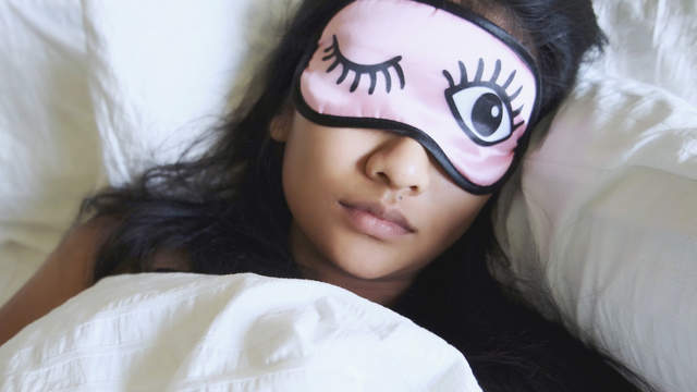Watch 6 Ways Sleep Can Help You Lose Weight video