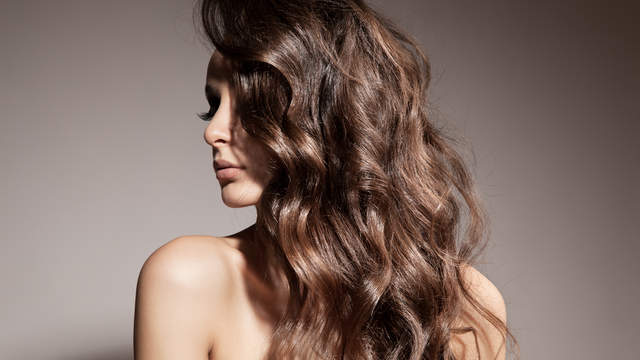 best-products-dry-damaged-hair-GettyImages-529406287