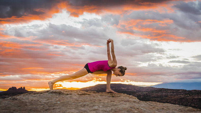 yoga-sunset-landscape-lunge-exercise