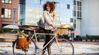 fittest-city-america-woman-bicycle