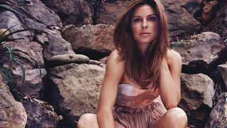 maria-menounos-rocks