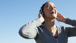power-playlist-headphones-workout