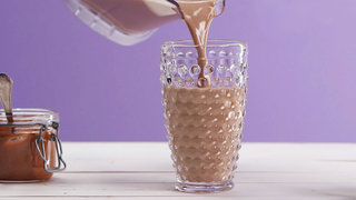peanut-butter-cup-smoothie-recipe-video