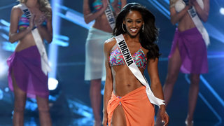 miss-usa-paegent-swimsuit