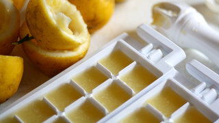 ice-tray-orange-juice