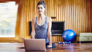 workout-computer-living-room-celebrity-trainers