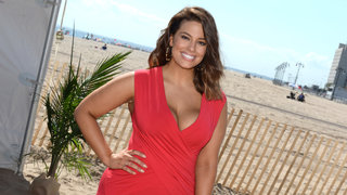 ashley-graham-beach-2
