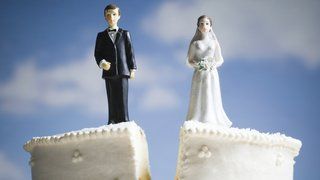 divorce-good-cake-topper
