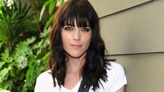 selma-blair-outdoors