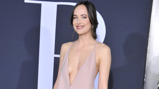 dakota-johnson-darker-red-carpet