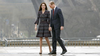 kate-middleton-nude-stockings-panty-hose-paris
