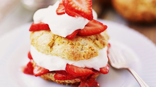 mini-strawberry-shortcakes-video