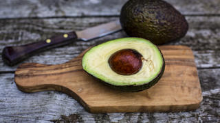 avocado-cutting-board-knife