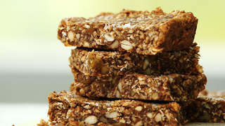 golden-fruit-and-nut-granola-bars-video