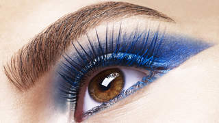 blue-eyeshadow-video