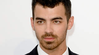 joe-jonas-punch
