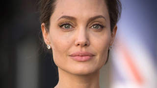angelina-jolie-closeup-black