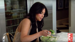 kim-kardashian-eating-salad