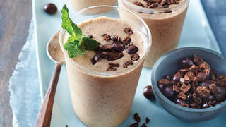 all-in-one-breakfast-smoothie-valerie-bertinelli