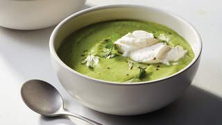 broccoli-roasted-garlic-potato-soup-recipe