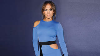 jennifer-lopez-abs-blue-dress