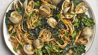 linguine-clams-italian-recipes-health-mag-sep-2020