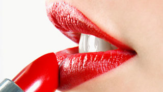 apply-red-lipstick