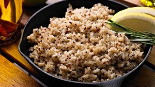 brown-rice-pan-cooking