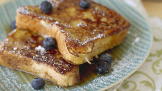 french-toast-blueberries-breakfast