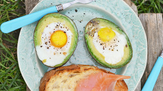 baked-egg-avocado