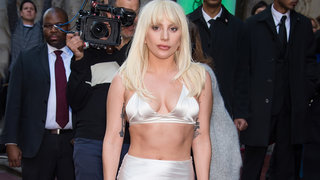 lady-gaga-abs-red-carpet