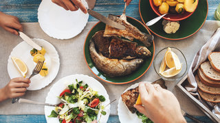 mediterranean-diet-healthy-eating-food-fish-vegetables