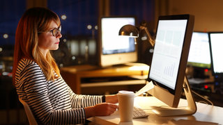 workaholic-woman-work-computer-office