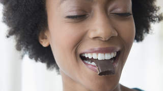chocolate-cravings-pms