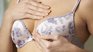 early-signs-breast-cancer-self-exam