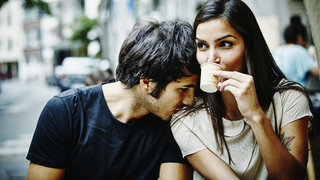 couple-responsive-love-cafe