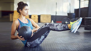 medicine-ball-workout-russian-twist