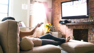 diabetes-lounge-tv-watching-sitting