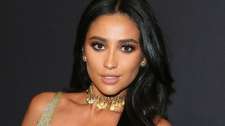 shay-mitchell-golden-globe