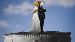 divorce-wedding-cake-toppers