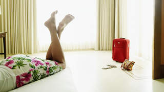 hotel-luggage-bed-bugs-travel